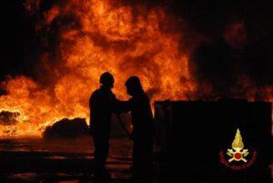Incendi: a luglio bruciata un'area grande come 70mila campi da calcio