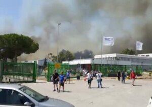 Incendi Termoli, sgomberato stabilimento Fiat. Sospesi treni fino a Campomarino