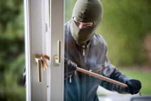 Furti in casa, case a prova di ladro per le ferie estive: i consigli di Cna
