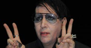 """Marilyn Manson a Villafranca: """"Arriva l'Anticristo"""". Petizioni online, veglie e rosari"""