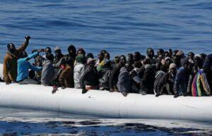 """Migranti, Minniti: """"Accoglienza ha un limite: integrazione e sicurezza"""". Limite raggiunto"""
