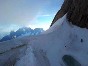 Monte Bianco: 4 sacerdoti slovacchi precipitano durante scalata sulle Grandes Jorasses