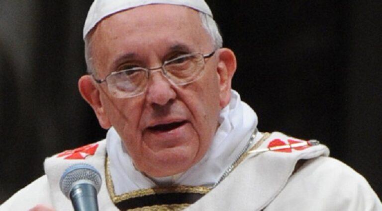 """Papa Francesco licenzia cardinale Muller: al suo posto Ladaria. Espresso: """"Coprì un prete pedofilo"""""""