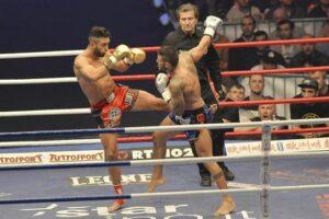 Giorgio Petrosyan, dall'Armenia con furore. Dormiva alla stazione il kickboxer che vince per l'Italia