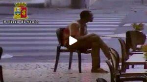 YOUTUBE Pisa, minaccia passanti con un coltello: arrestato