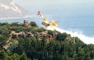 San Vito Lo Capo, incendio accerchia villaggio turistico: 700 sgomberi via mare