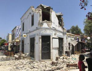 Terremoto Kos, 160 scosse di assestamento. Andranno avanti per una settimana