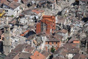 Terremoto centro Italia, 5 indagati per i crolli ad Amatrice
