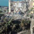 Torre Annunziata: crolla palazzina di 4 piani, 2 famiglie sotto le macerie1