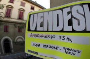 Roma, vende appartamento 8 volte e scappa coi soldi: accusato di truffa