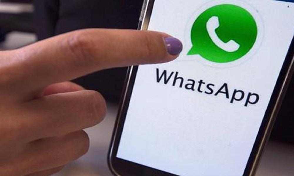 Cina, il governo blocca WhatsApp per alcune ore