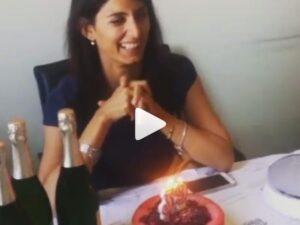 YOUTUBE Virginia Raggi spegne le candeline per i suoi 39 anni