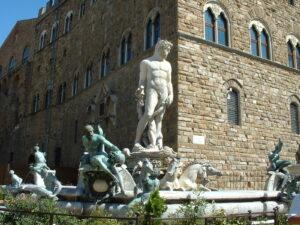 """Apple censura il """"Biancone"""" di Firenze. E' opera d'arte rinascimentale, ma non è vestita..."""