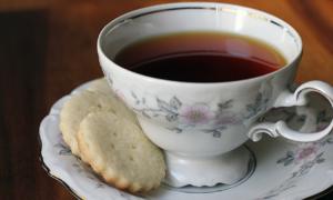 Biscotti, inzupparli nel tè non solo fa bene ma...migliora il sapore