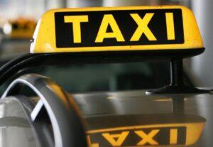 Bolzano, telecamere di sorveglianza nei taxi e misure anti homeless