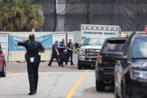 Charleston, uomo armato in un ristorante prende ostaggi