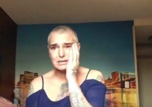 """YOUTUBE Sinead O'Connor, sfogo su Facebook: """"Sono sola e malata, aiutatemi"""""""