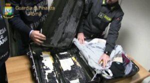 Fiumicino, Finanza sequestra 55 chili di cocaina