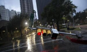 I danni dell'uragano Harvey (foto Ansa)