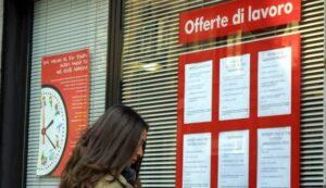 """Federica Lucchesi, 800 curriculum in 2 anni, ma """"nessun lavoro perché sono sovrappeso"""""""