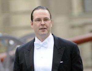 """Anders Borg, ex ministro svedese ubriaco mostra il pene e """"tasta"""" gli invitati"""