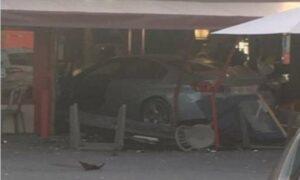 Parigi, auto contro pizzeria: muore una bimba, 5 i feriti. Arrestato il conducente