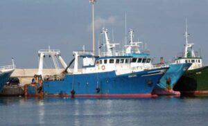 Italia - Libia, alta tensione: due motopesca italiani attaccati da miliziani libici