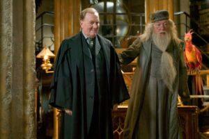 Robert Hardy morto: addio al Cornelius Caramell di Harry Potter