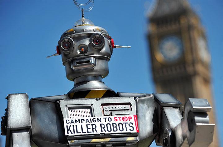Robot killer, appello all'Onu per la messa al bando dai big hi-tech (Tesla, Google...)