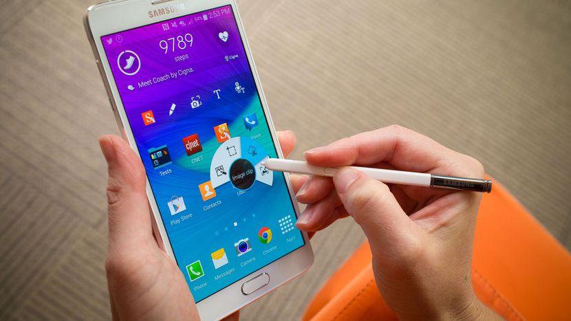 Samsung, nuovi guai. Galaxy Note 4 ha batterie a rischio incendio