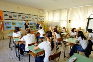 Scuola, i precari che saranno prof: 80% senza laurea, concorso e mai insegnato