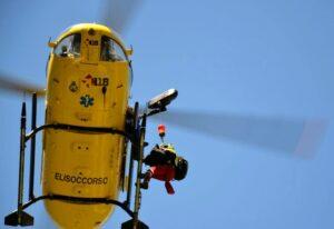 Svizzera, cade aereo da turismo: morti pilota e 2 ragazzi di 14 anni, ferita una ragazza