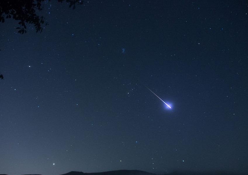 Stelle cadenti, occhi al cielo per la notte di San Lorenzo: il picco tra il 12 e 13 agosto
