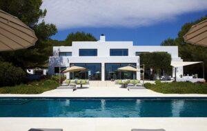 Airbnb, villa in Sicilia da 4.500 euro. Ma non era vero nulla