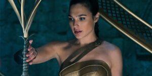 "James Cameron critica Wonder Woman: ""Un passo indietro"""