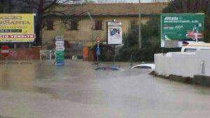 """Roma, l'Autorità di bacino lancia l'allarme: """"250mila cittadini a rischio alluvione"""""""