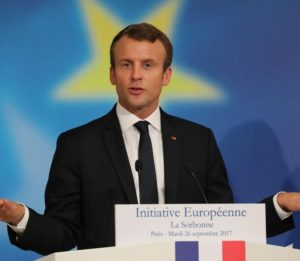 """Ue, Emmanuel Macron: """"Serve polizia di frontiera ed esercito comune europeo"""""""