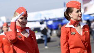 Russia, Aeroflot condannata: discrimina le hostess sovrappeso