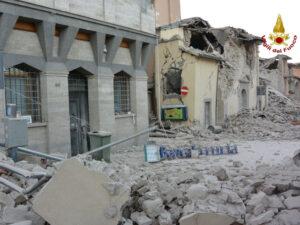 Terremoto Amatrice: residenze false per ottenere i 900 euro di contributi, 120 romani indagati