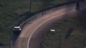 YOUTUBE Ubriaco alla guida finisce fuori strada: l'auto si ribalta otto volte e lui...