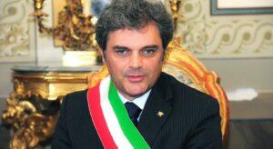 """Massimo Bergamin (Lega), la proposta choc del sindaco: """"Braccialetto elettronico per tutti i migranti"""""""