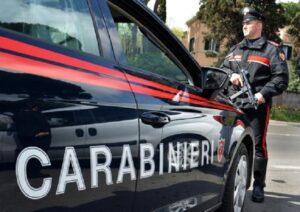 Mugnano (Napoli): ragazza si aggrappa all'auto dell'ex, viene trascinata e muore