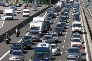 Incidente in autostrada A1: tra Roma Sud e A24 2 km di coda