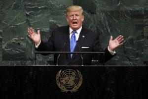 """Trump presidente dispettoso. """"Ho preso decisione ma non ve la dico"""". Sul vino a cena? No, sul nucleare"""