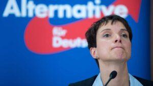 Germania, AfD già si spacca. Frauke Petry lascia il partito. Ne farà uno concorrente?