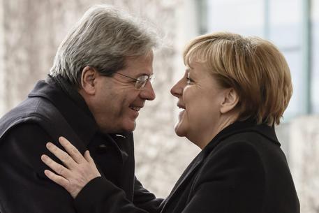 """Paolo Gentiloni a Le Figaro: """"La crescita della destra xenofoba in Germania non vuol dire freno all'Europa"""""""