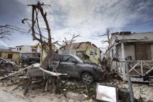 """Uragano Irma, James Tuffin: """"Dormivo col coltello sotto il letto per paura degli sciacalli"""""""