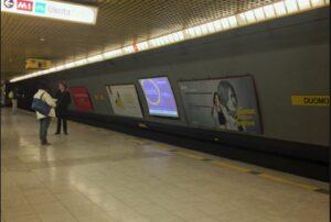 Milano, due controllori aggrediti con le forbici in metro