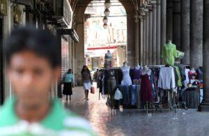 """Roma, coppia aggredita davanti alla moschea: """"Non potete baciarvi"""""""