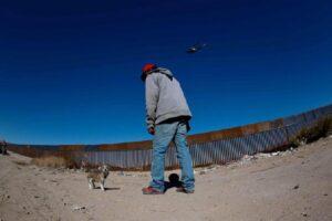 Muro al confine Usa-Messico: iniziata la costruzione dei prototipi